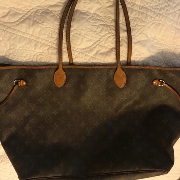 a34f3d1434f4 Louis Vuitton Handbags - Louis Vuitton Neverfull GM